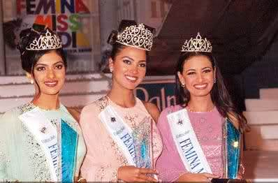 Lara Dutta  (center) with Priyanka Chopra (left) and Dia Mirza (right).