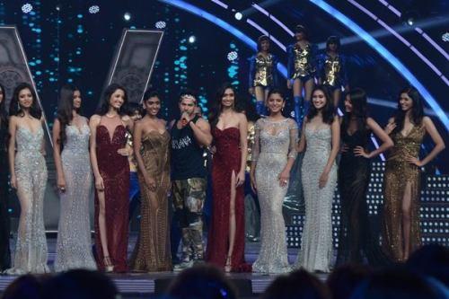Bollywood Actor Varun Dhawan with the top 10