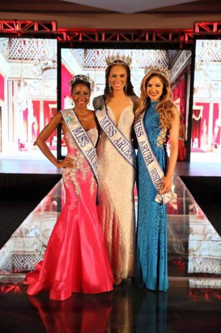 From left to right: Miss Aruba Grand International 2016 Chimay Ramos, Miss Aruba Universe 2016 Charlene Leslie and Miss Aruba World 2016 Lynette Do Nascimento.