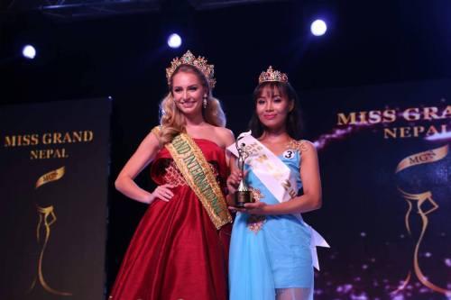 Miss Grand 2015, Claire Parker with Zeenus Lama, Miss Grand Nepal 2016