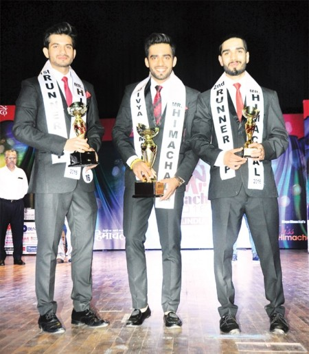 L-R: 1st RU - Iqbal Singh, Sidharth Sood(winner) and 2nd RU - Nikhil
