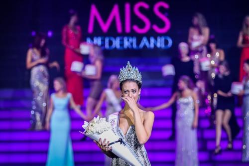 2016-09-26 22:53:30 HILVERSUM - Zoey Ivory wint de finale van de verkiezing van Miss Nederland in Studio 21 op het Mediapark. ANP KIPPA LEVIN EN PAULA