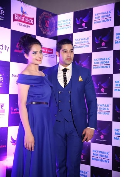 The Host Ankita Aggarwal with the Managing Director of Skywalk Entertainment, Manish Sahdev.