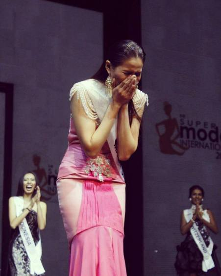 Winning reaction of Josephine Tan, Supermodel International 2016