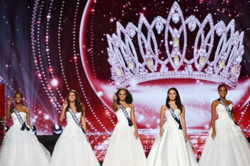 The top 5 of Miss France