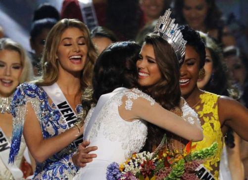 miss-france-iris-mittenaere-waves-after-being-declared-winner-in-the-miss-universe-beauty-pageant-at