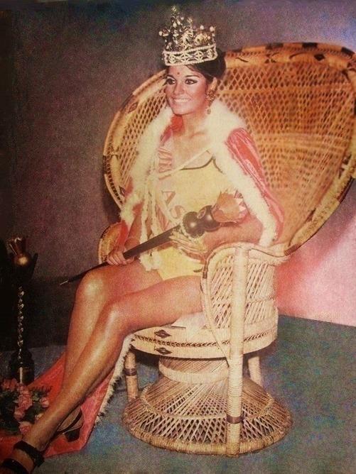 The Bold And Beautiful Zeenat Aman Miss Asia Pacific 1970