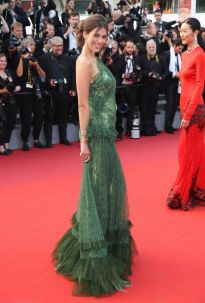 iris-mittenaere-at-the-beguiled-premiere-at-70th-annual-cannes-film-festival-05-24-2017_8